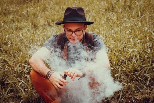 4 Oral Health Dangers of Vaping